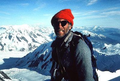 Фред Бэки  (Fred Beckey)  56 лет, на вершине горы Forresta, Аляска, 1979 год