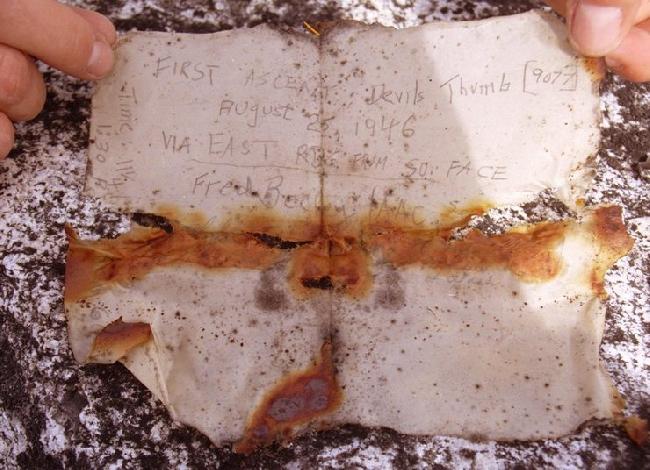 Записка Фреда Бэки  (Fred Beckey)  о первопокорении Восточного хребта Devils Thumb в 1946 году (записка найдена в 2009 году)