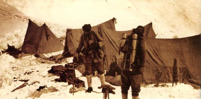 Эверест. Джордж Мэллори и Эндрю Ирвин. 6 июня, 1924 г.