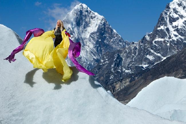 Jona-Marie Price на ледопаде Кхумбу (Khumbu Icefall)