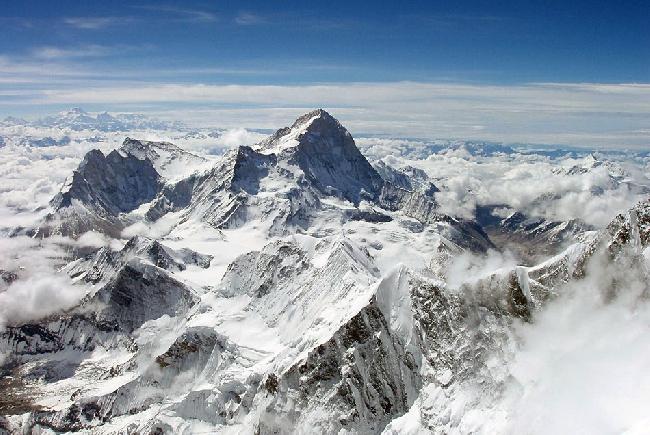 вид с Эвереста на восьмитсячник Макалу