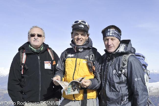 Кшиштоф Величко (Krzysztof Wielicki), Симоне Моро (Simone Moro), денис Урубко. Фото 2010 года