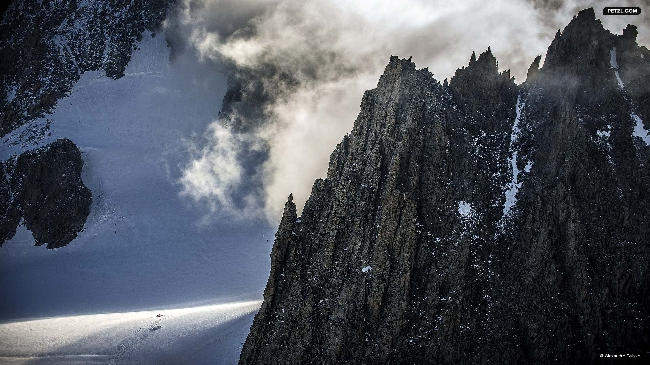 Переход по леднику Géant, массив Mont-Blanc.