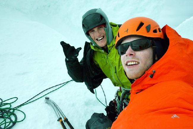 Hayden Kennedy и Jason Kruk на вершине Torre Egger, Декабрь 2012.