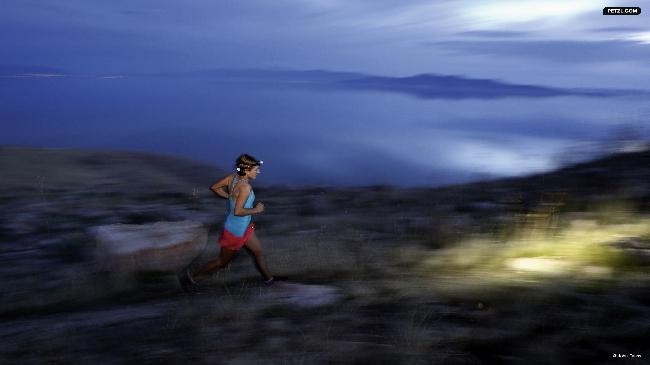 """бег в ночь с Jared и Mindy Campbell, заповедник """"Antelope Island"""", штат Юта"""