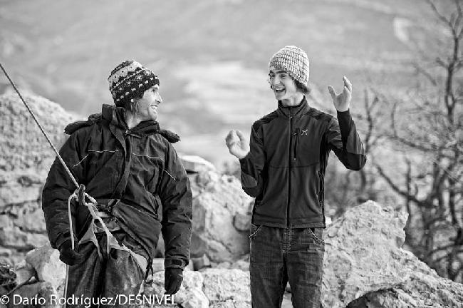 """Крис Шарма (Chris Sharma) и Адам Ондра (Adam Ondra) на следующий день после прохождения Адамом маршрута """"La dura dura"""""""