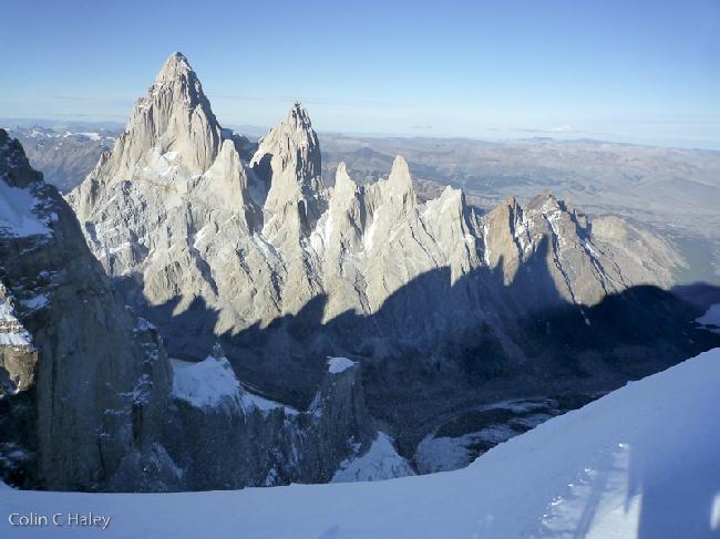 Массив Fitz Roy с вершины Cerro Adela Norte