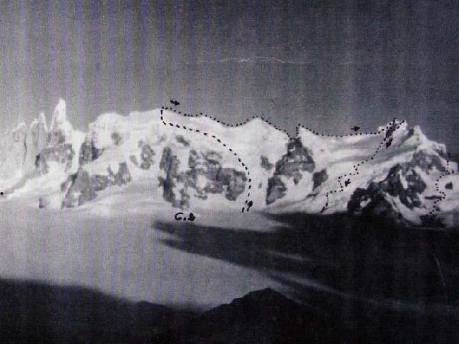 маршрут Вальтера Бонатти (Walter Bonatti) и Карло Маури (Carlo Mauri) пройденный за 15 часов