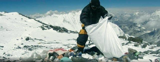 Уборка мусора на склонах Эвереста