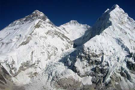 Эверест, Лхоцзе и Нупцзе. Фото Симоне Моро