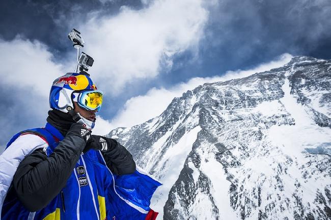 Валерий Розов совершает самый высокий B.A.S.E прыжок в мире с Эвереста. Высота 7220 м. май 2013