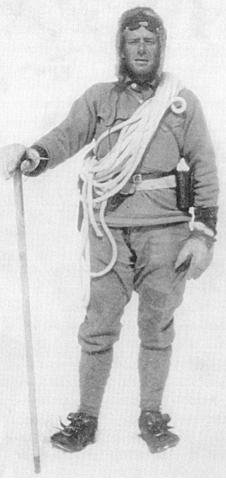 Белмор Браун (Belmore Browne) на Северо-Восточном хребте Мак-Кинли. 1912 год