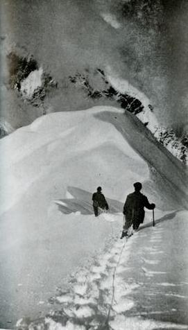 Экспедиция Брауна-Паркера спускается в низ с Мак-Кинли, фото 1912 года, с отметки 4000 метров