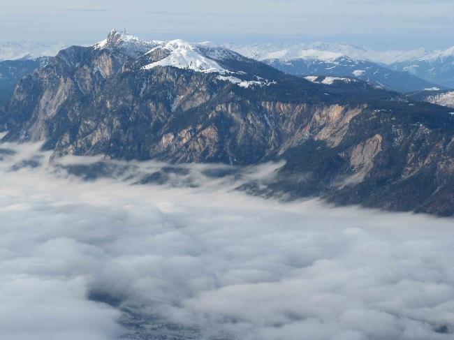вид на вершину Dobrač из долины Гейл