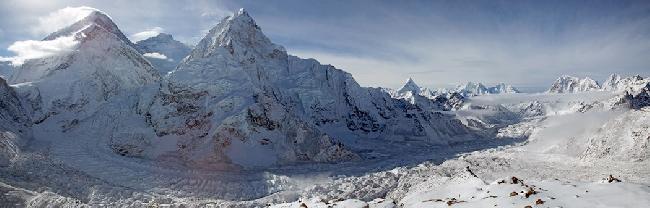 Долина Кхумбу: Эверест, Лхоцзе и Нупцзе (The Khumbu Valley: Everest, Lhotse, and Nuptse)
