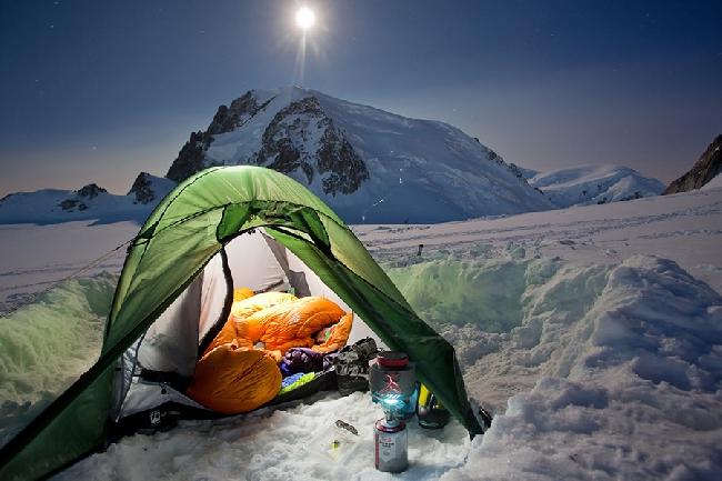 сон в полнолуние на Mont Blanc du Tacul