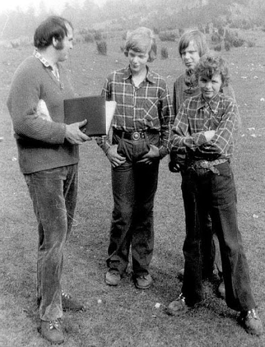 Второй справа - юный Артур Хайзер (Artur Hajzer)