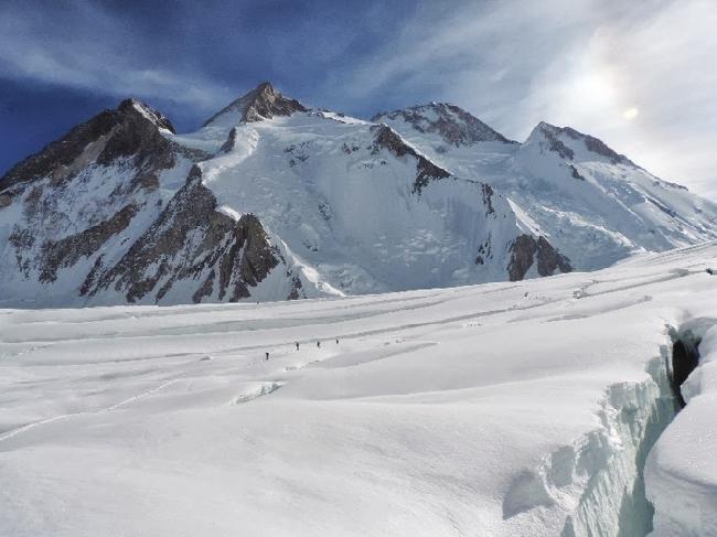 снежное плато выше Camp I на Гашебрум I