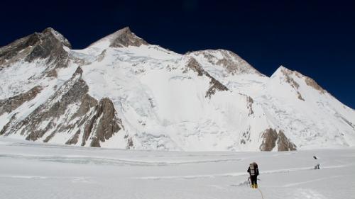 высота 6000 метров. Впереди - Гашербрум II