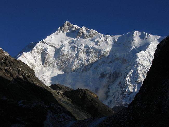 Восьмитысячник Канченджанга (Kangchenjunga), вид с перевала Goecha La (4,940 м)