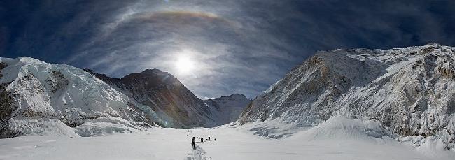 Дорога из Camp1 в Camp2. Эверест, Лхоцзе, Нупцзе. Фото Джонатана Гриффита
