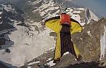 Первый прыжок в вингсьюте с вершины Doigt de Dieu (3973м) Франция. Видео