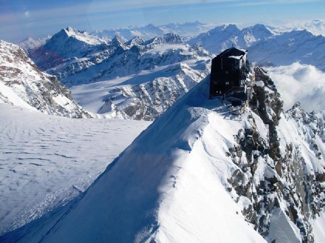 самая высокогорная хижина в Европе  - Маргерита (Margherita), находящаяся на высоте 4554м. Массив Монблан