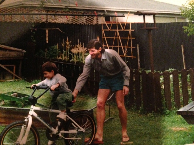 Мартин Уолтер Шмидт (Martin Walter Schmidt) и его сын Денали (Denali) в Новой Зеландии. 1991 год