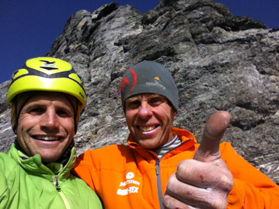 """Роджер Шали (Roger Schaeli, Швейцария) и Роберт Джаспер (Robert Jasper, Германия) на маршруте  """"Direttissimy Piola-Ghilini"""" сложности IX,7c на Северной стене Эйгера"""