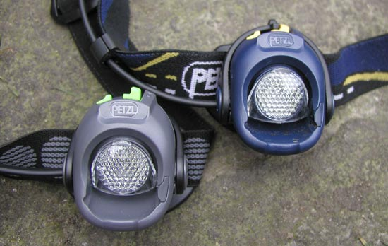 Налобные фонарики Petzl Myo XP (слева - новая модель; справа- предыдущая)