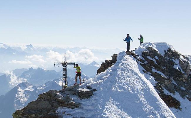 Килиан Джорнет (Kilian Jornet) на вершине Маттерхорна. 21 августа 2013 года