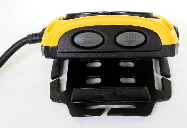 Fenix HP25. Удобная система крепления для регулировки корпуса