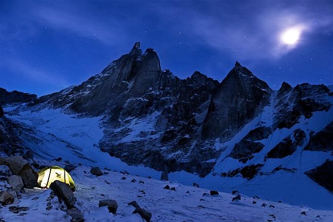 Базовый лагерь у вершины Spire Arwa (6193 м)