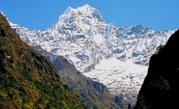 Кусум Кангуру (Kusum Kanguru, 6367 м, Непал, Кхумбу).