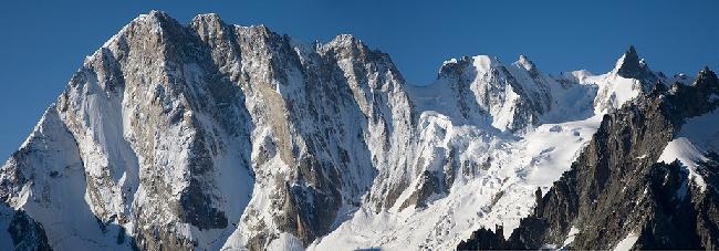 Северная стена Гран Жорасс (North Face of the Grandes Jorasses), Шамони, Франция. Фото Jon Griffith