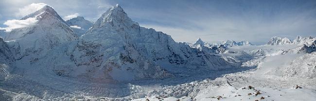 Вид на долину Кхумбу у Эвереста.. Фото Jon Griffith