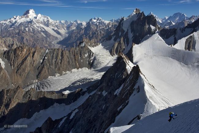 На северном хребте пика Дрифика. Вид на Masherbrum, K2, Broad Peak