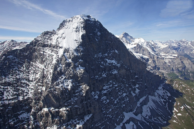 Аэрофотосъемка невероятной Северной стены Эйгера, Швейцария. Фото Jon Griffith