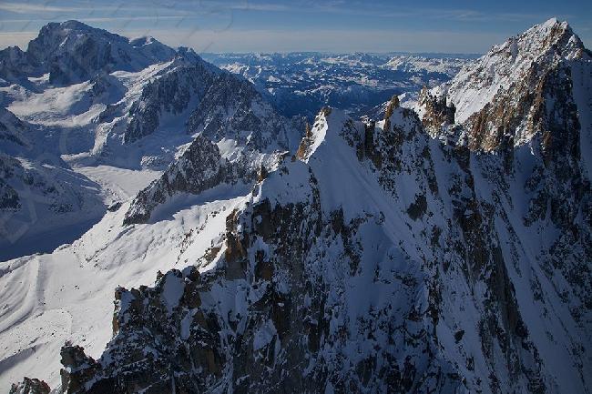 гребень вершины  Les Droites  (Монблан). Фото Jon Griffith