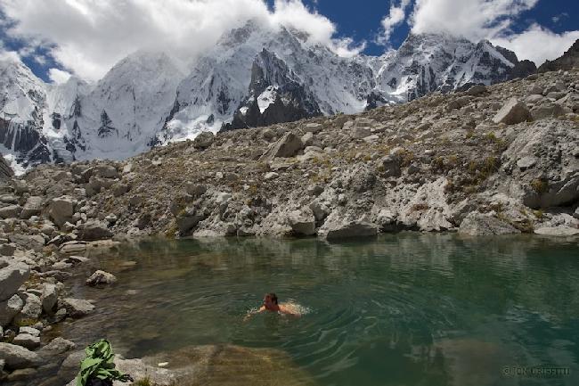 Бассейн в Базовом лагере