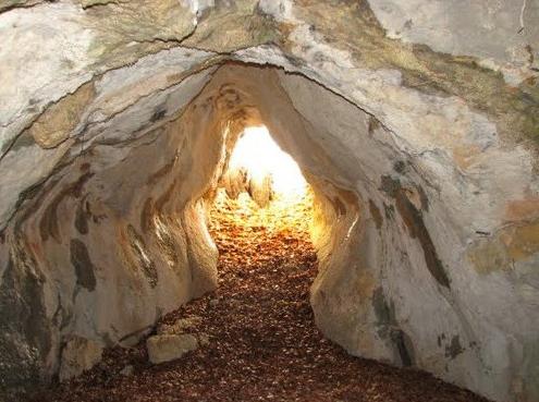 """пещера """"Грот Папия"""" (или """"Пещера-С-Трубой""""). Фото Алексея Папия"""