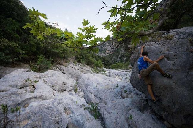 Пеллопонес - новый скалолазный регион Греции у города Леонидио (Leonidio) +ФОТО