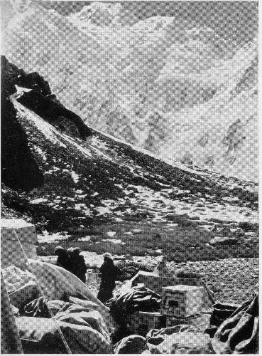 Западная стена восьмитысячника Нангапарбат - сторона Диамир. Вид из Базового лагеря. 1961 год