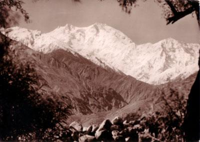 обратная сторона открытки экспедиции Херрлигкоффера к Нангапарбат в 1961 году с видом на сторону Диамир восьмитысячника Нангапарбат