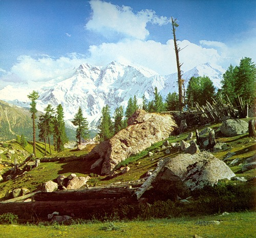 Нангапарбат (Нанга Парбат / Nanga Parbat / 8126 м,— девятый по высоте восьмитысячник мира