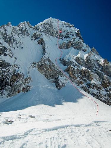 Маршрут Purgation (VI WI6+ M6 1,100 м) на вершину Пангбук Северный (Pangbuk North) высотой 6590 метров