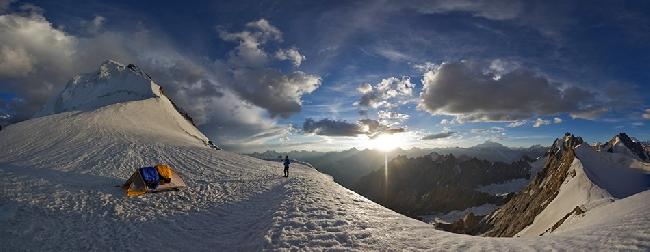 Август: пятизвездочный бивуак на склоне горы Дрифика