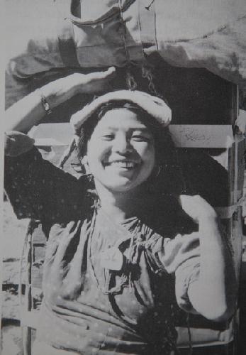 Женщина носильщик из экспедиции 1978 года на Аннапурну