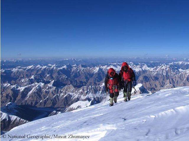 Максут Жумаев и Василий Пивцов на последних метрах перед вершиной