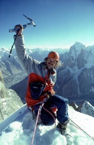 Курт Альберт (Kurt Albert) на вершине Nameless Tower